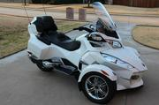 2012 Can Am Spyder RT Limited.Only 450 miles on it.